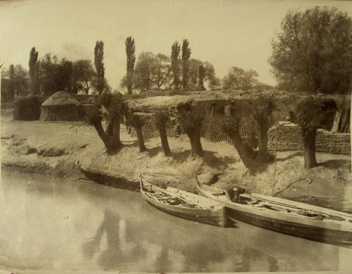 Dorf im Deltagebiet, c.a. 1950