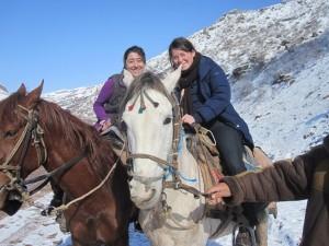 Lola und Nicole zu Pferd
