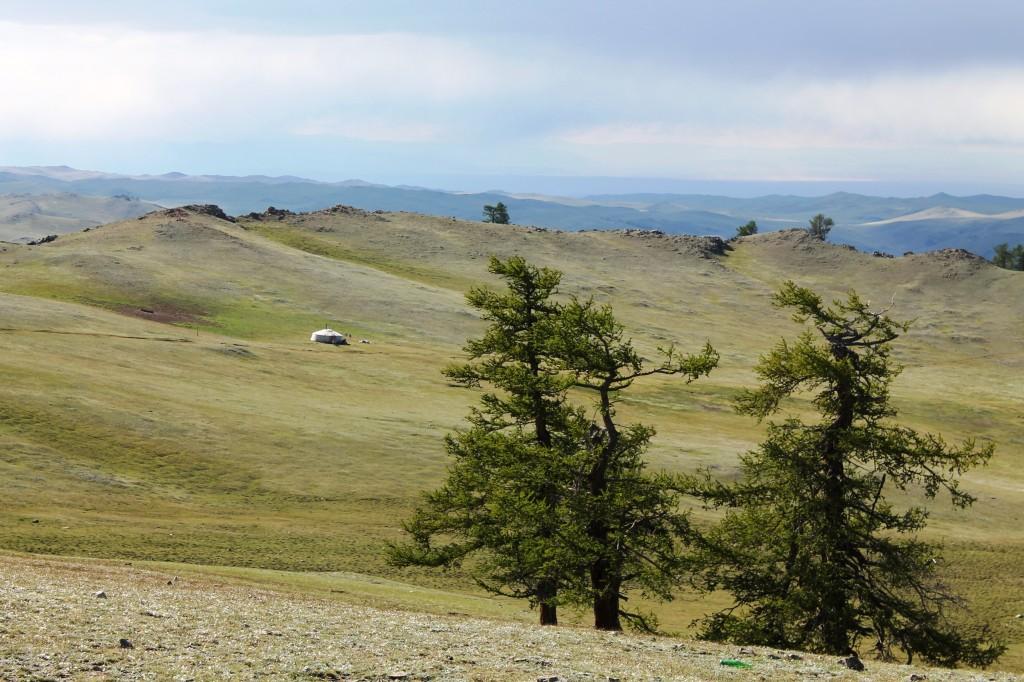 Landschaft des Ulaan Uzuuriin oder Rot-Spitzen Bag